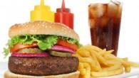 Foram listados os 10 piores alimentos que podem fazer mal para seu corpo e para a sua saúde.