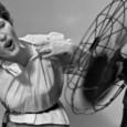Toda mulher vai passar pela menopausa, mas nem todas precisam sofrer tanto com o sintomas dessa fase, simples alimentos podem te ajudar a passar pela menopausa sem sofrer tanto.
